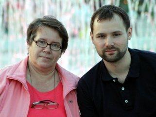 мама и ее сын - бывший наркозависимый