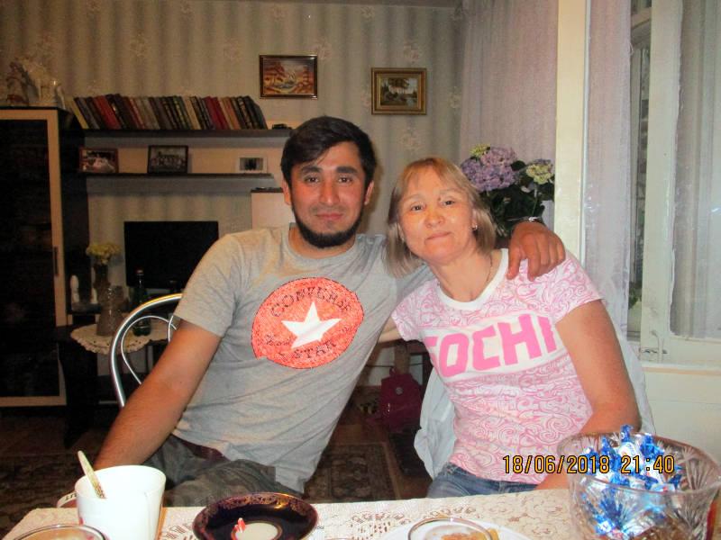 выпускник Дома Надежды с мамой
