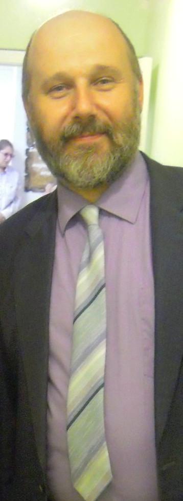 директор центра Валерий Толкачев